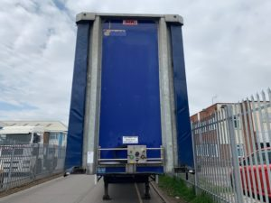 2015 SDC Curtainsider. 4.81m External Height, 3.27m Internal Height, SAF Axles, Drum Brakes, Keruing Floor, Barn Doors, 4 x Side Posts, Internal Straps, Raise Lower Valve Facility.