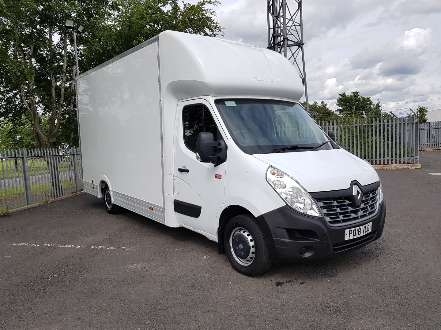 2018 Renault Master Maxi Mover, Euro 6, Manual Gearbox, 103,448 miles, Truck Craft Body, Barn Doors, 2 x Load Lock Rails, 3 Seats, 03/21 MOT, Choice Available.