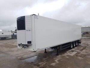 2017 Schmitz Single Temp Fridge Trailer. Carrier Vector 1550 Engine, 2.59m Internal Height, SAF Axles, Drum Brakes, Aluminium Floor, Barn Doors, 2 x Load Lock Rails, Raise Lower Valve Facility.