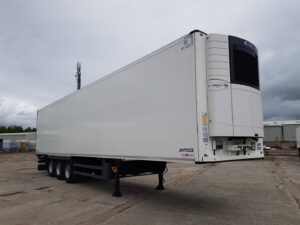 Carrier Vector 1550 Engine, 2.59m Internal Height, SAF Axles, Drum Brakes, Aluminium Floor, Barn Doors, 2 x Load Lock Rails, Raise Lower Valve Facility.