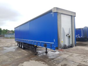 2015 Schmitz Curtainsider, 4.2m External Height, 2.7m Internal Height, SAF Axles, Drum Brakes, Wisa Deck Floor, Barn Doors, Raise Lower Valve Facility.