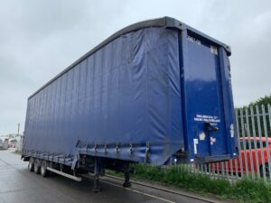 2007 M&G Stepframe Curtainsider, 4.75m External Height, ROR Axles, Drum Brakes, Wisa Deck Floor, Barn Doors, 19.5 Inch Wheels, Fixed Deck, Raise Lower Valve Facility, Priced at £3,500 +VAT to drive away.