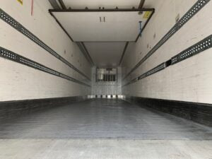 2016 Chereau Dual Temp Fridge Trailer, Thermoking SLXe Spectrum Engine, BPW Axles, Drum Brakes, Resin Floor, Barn Doors, 2 x Load Lock Rails, Raise Lower Valve Facility.