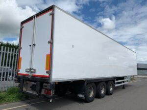 2014 Chereau Dual Temp Fridge Trailer, Carrier Vector 1950Mt Fridge Engine, 2.59m Internal Height, BPW Axles, Drum Brakes, Resin Floor, Barn Doors, 2 x Load Lock Rails, Raise Lower Valve Facility.