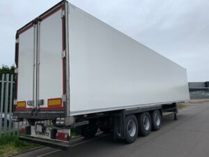 2015 Schmitz Single Temp Fridge Trailer, Thermoking SLXe 300 Engine, 2.59m Internal Height, SAF Axles, Drum Brakes, Aluminium Floor, Barn Doors, 2 x Load Lock Rails, Raise Lower Valve Facility, Freshly Painted Wheels & Side Guards.