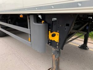 2014 Schmitz Dual Temp Fridge Trailer, Thermoking SLXe Spectrum Engine, 2.59m Internal Height, SAF Axles, Drum Brakes, Aluminium Floor, Barn Doors, 2 x Load Lock Rails, Raise Lower Valve Facility.