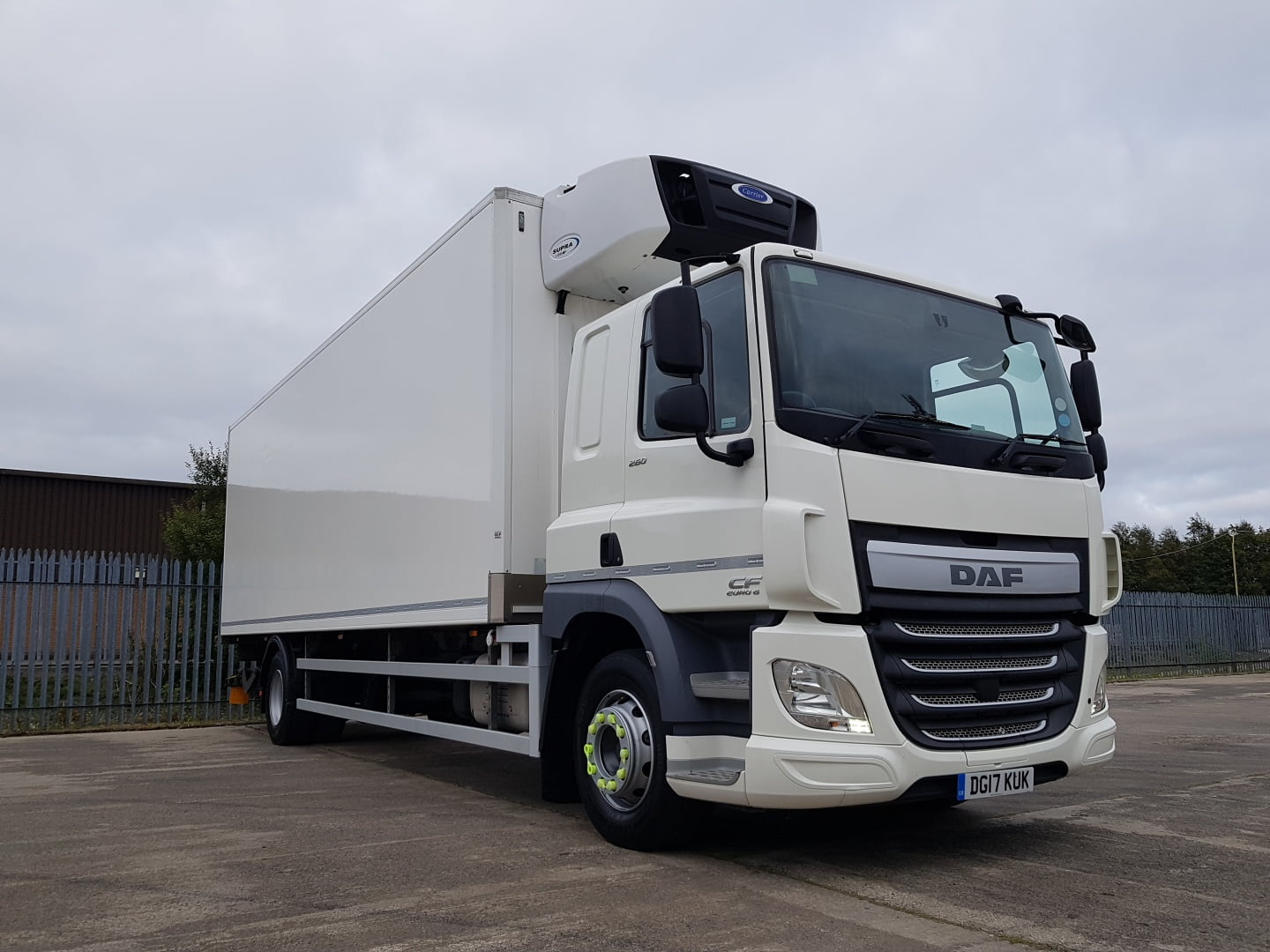 2017 DAF CF Fridge Tailift, 18 Tonne, Dhollandia Tuckunder Tailift (1500kg Capacity), Carrier Supra Fridge Engine, Euro 6, Automatic Gearbox, Single Sleeper Cab, Roller Shutter Rear Door, Aluminium Floor, Load Lock Rails, Low Mileage, Warranty Available.