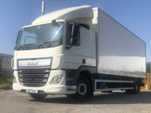 2017 DAF CF Boxvan, 18 Tonne, 250bhp, Euro 6, Automatic Gearbox, Dhollandia Tuckunder Tailift (1500kg Capacity), 27 Foot Body, Single Sleeper Cab, Load Lock Rails, USB, Tailift Barriers, Low Mileage, Warranty Available.