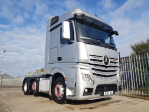 2017 (67) Mercedes Actros 2545, Euro 6, 450bhp, Streamspace Single Sleeper Cab, Automatic Gearbox, Air Con, Fridge, Steering Wheel Controls, Radio/USB, 383,652km, Warranty Available.