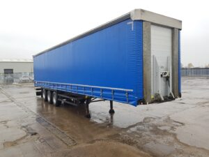 2015 Schmitz Curtainsider, 4.2m External Height, 2.7m Internal Height, SAF Axles, Drum Brakes, Wisa Deck Floor, Flush Doors, 4 x Side Posts, Internal Straps, Toolbox Fitted, Raise Lower Valve Facility.