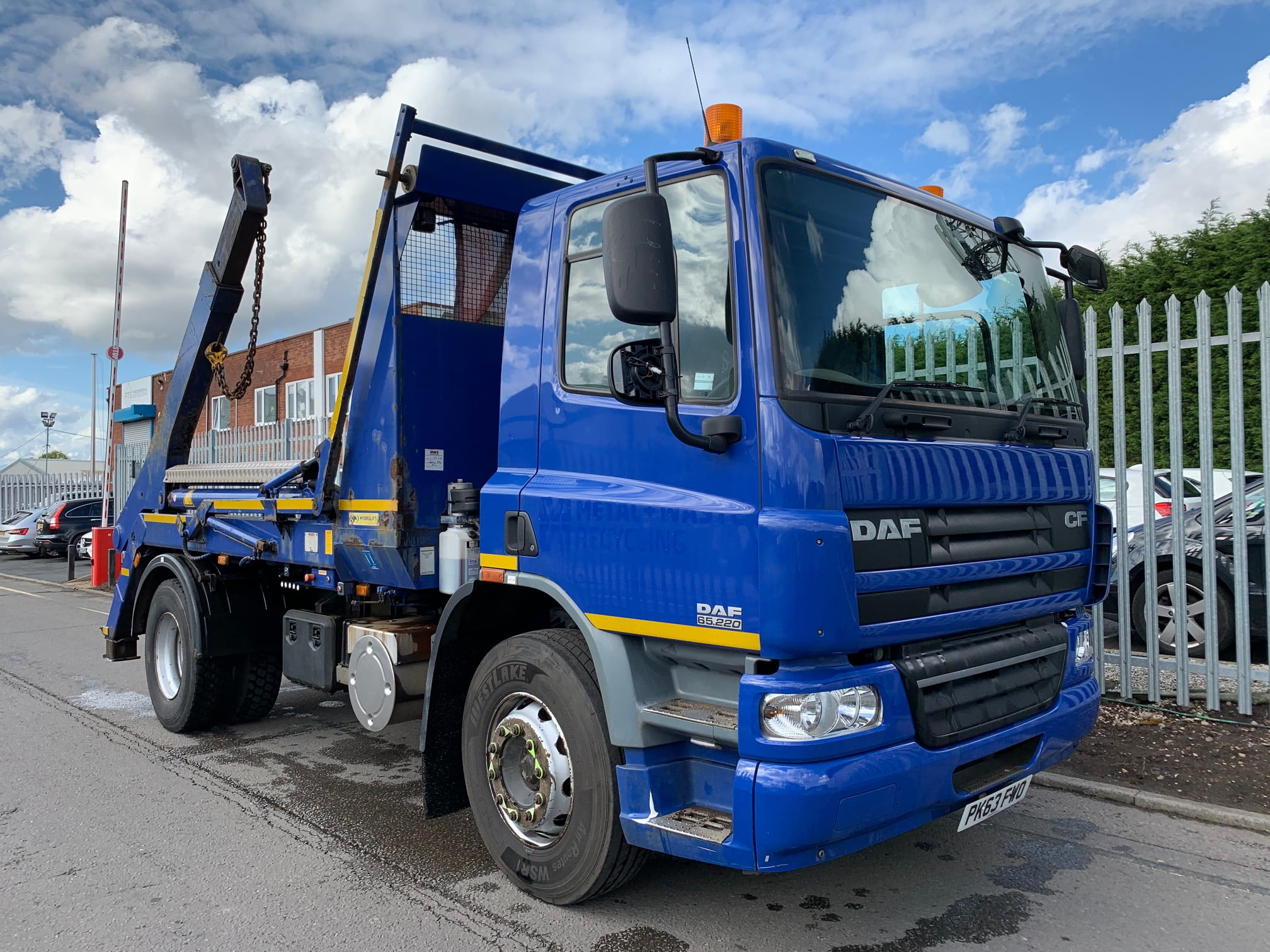 2013 (63) DAF CF.65 Skiploader, 18 Tonne, Euro 5, AJK Hydrolift Gear, 220bhp, Day Cab, Automatic Gearbox, Reverse Camera Fitted, Steering Wheel Controls.