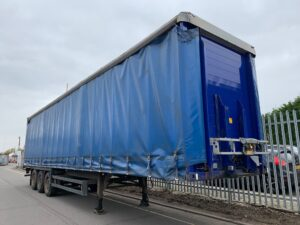 2005 Schmitz Curtainsider, 4.2m External Height, 2.68m Internal Height, Mercedes Axles, Disc Brakes, Wisa Deck Floor, Barn Doors, Internal Straps, Side Posts, Raise Lower Valve Facility.