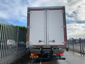 2019 DAF Curtainsider, 26 Tonne, Euro 6, 340bhp, Anteo Tuckunder Tailift (1500KG Capacity), 30 Foot Body, 6.1m Wheelbase, 12 Speed AS Tronic Automatic Gearbox, Single Sleeper Space Cab, Barn Doors, Tailift Barriers, Steering Wheel Controls, LOW MILEAGE AT JUST 378km!! Warranty also available.
