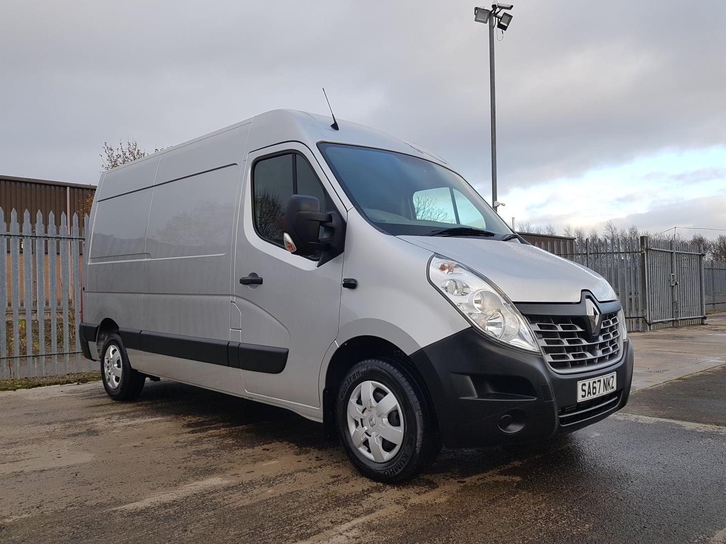 2017 (67) Renault Master Van, Manual Gearbox, Low Mileage, Towbar Fitted, Camera System Fitted, Steering Wheel Controls, 09/21 MOT.