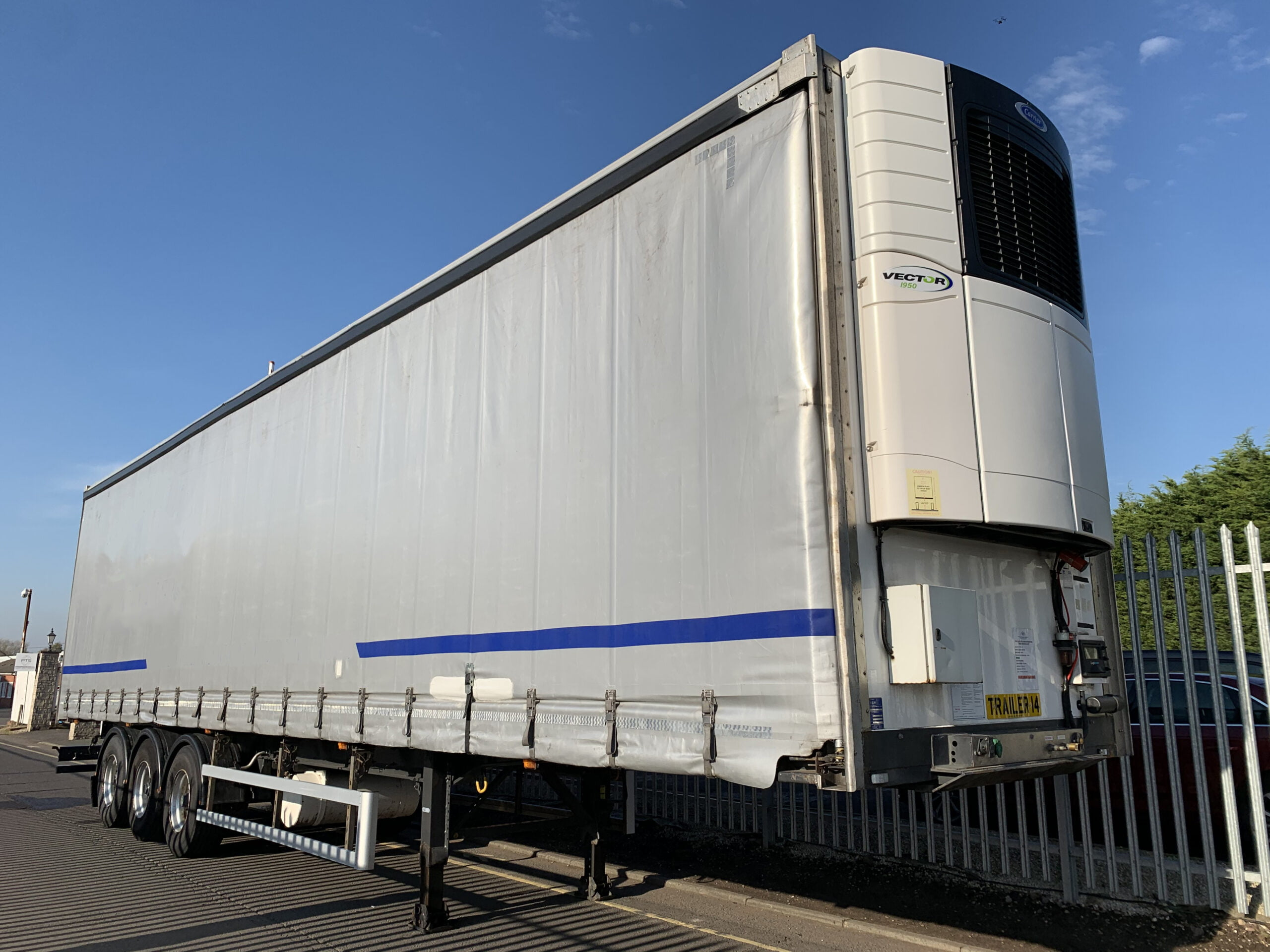 2017 Gray & Adams Insuliner, 4.65m External Height, 2.9m Internal Height, BPW Axles, Drum Brakes, Aluminium Floor, No Rear Access, Carrier Vector 1950 Fridge Engine, 5822 Engine Hours, 8501 Total Hours, Internal Fixed Deck, Raise Lower Valve Facility.