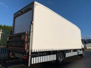 2016 DAF LF Fridge Tailift, 18 Tonne, Euro 6, 280bhp, Dhollandia Column Tailift (1500kg Capacity), Thermoking Fridge Engine, Solomon Body, Automatic Gearbox, Rest Cab, Roller Shutter Rear Doors, Near Side Door in Body, Resin Floor, 2 x Loadlock Rails, Reverse Camera, Low Mileage, Choice & Warranty Available.