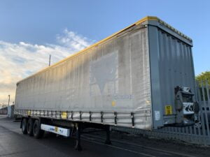 2012 Krone Coil Liner, 4m External Height, 2.6m Internal Height, BPW Axles, Drum Brakes, Wisa Deck Floor, Flush Doors, Internal Posts, Lashing Rings, Raising Roof, Raise Lower Valve Facility.