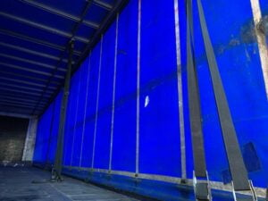 2010 SDC Curtainsider, 4.27m External Height, 2.71m Internal Height, SAF Axles, Drum Brakes, Wisa Deck Floor, Flush Doors, 2 x Side Posts, Internal Straps, Raise Lower Valve Facility.