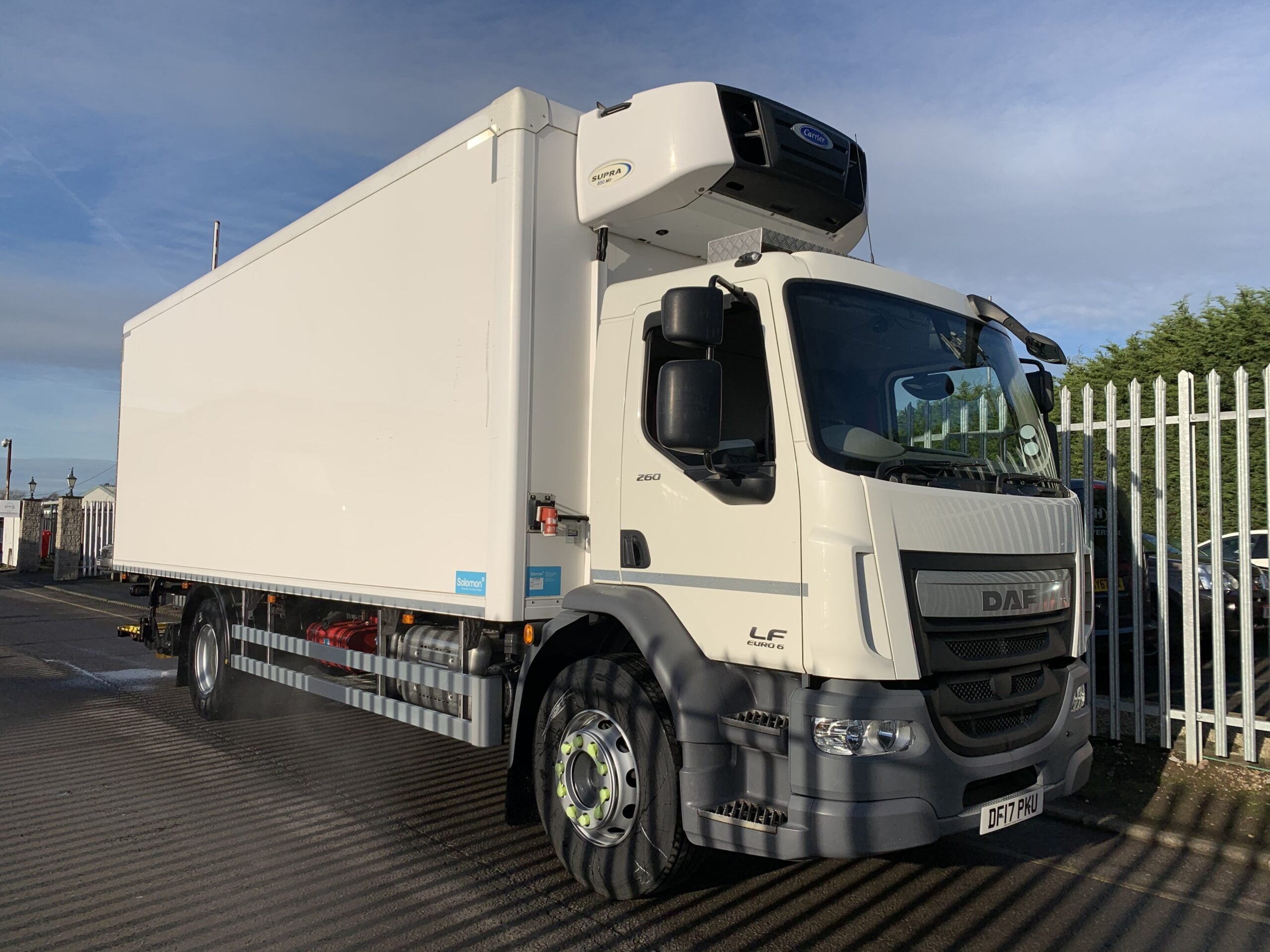 2017 DAF LF Fridge Tailift, 18 Tonne, Dhollandia Tuckunder Tailift (1500kg Capacity), Carrier 850 Mt Fridge Engine, Euro 6, Automatic Gearbox, Day Cab, Solomon Body, Roller Shutter Rear Doors, Near Side Door in Body, Resin Floor, 2 x Loadlock Rails, Low Mileage, Choice & Warranty Available.