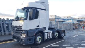 2017 Mercedes Actros, Euro 6, 430bhp, Streamspace Single Sleeper, 4m Wheelbase, Mid-Lift Axle, Automatic Gearbox, Air Con, Cruise Control, Steering Wheel Controls, Aluminium Catwalk Infill Panels, Anderson Connector, Low Mileage, Choice & Warranty Available.