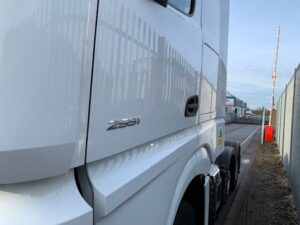 2019 Mercedes Actros, Euro 6, 510bhp, Gigaspace Single Sleeper Cab, 4m Wheelbase, Mid-Lift Axle, Automatic Gearbox, Fridge, Air Con, Cruise Control, Steering Wheel Controls, Low Mileage, Choice & Warranty Available.