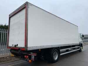 2017 DAF CF Box Tailift, 18 Tonne, 250bhp, Euro 6, Dhollandia Tuckunder Tailift (1500kg Capacity), Automatic Gearbox, Martin Williams 27ft Body, Single Sleeper Cab, Steering Wheel Controls, Roller Shutter Rear Door, Low Mileage, Choice & Warranty Available.