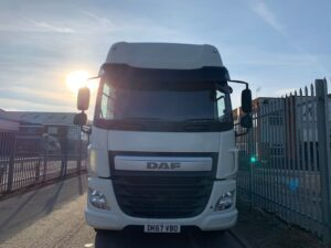 2017 (67) DAF CF Curtainsider, 26 Tonne, Euro 6, 330bhp, Automatic Gearbox, Space Single Sleeper Cab, 30 Foot Body, Anteo Tuckaway Tailift (1500kg Capacity), Steering Wheel Controls, Xtra Comfort Mattress, Low Mileage, Warranty Available.