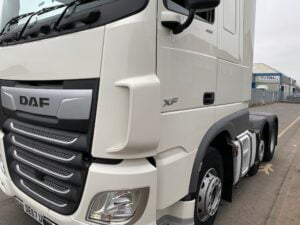 2017 (67) DAF XF, Euro 6, 480bhp, Superspace Double Sleeper Cab, Automatic Gearbox, Steering Wheel Controls, Air Con, Cruise Control, Xtra Comfort Mattress, Fridge, Mid-Lift Axle, Aluminium Catwalk Infill Panels, Low Mileage, Warranty & Choice Available.