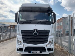 2016 (66) Mercedes Actros, Euro 6, 450bhp, Bigspace Single Sleeper Cab, Mid-Lift Axle, Automatic Gearbox, Retarder, Air Con, Cruise Control, Steering Wheel Controls, Low Mileage, Choice & Warranty Available.