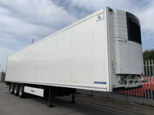 2017 Krone Dual Temp Fridge Trailer, Carrier Vector 1950Mt Fridge Engine, 2.59m Internal Height, BPW Axles, Drum Brakes, Aluminium Floor, Barn Doors, Load Lock Rails, Raise Lower Valve Facility.
