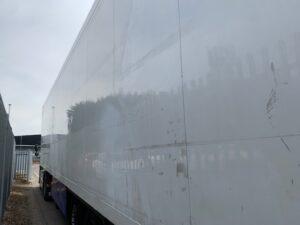 2011 Schmitz Dual Temp Fridge Trailer, Carrier Vector 1850Mt Fridge Engine, 4.18m External Height, 2.69m Internal Height, Schmitz Axles, Disc Brakes, Aluminium Floor, Barn Doors, Load Lock Rails, Raise Lower Valve Facility, Dhollandia Tuckunder Tailift (2000kg Capacity).