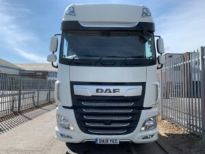 2019 DAF XF, Euro 6, 530bhp, Superspace Twin Sleeper Cab, Automatic Gearbox, 3.95m Wheelbase, Steering Wheel Controls, Air Con, Cruise Control, Xtra Comfort Mattress, Fridge, Mid-Lift Axle, Aluminium Catwalk Infill Panels, Low Mileage, Choice & Warranty Available.