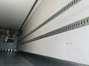 2017 Chereau Dual Temp Fridge Trailer, Thermoking SLXi Spectrum Fridge Engine, 2.59m Internal Height, BPW Axles, Drum Brakes, Resin Floor, Barn Doors, 2 x Load Lock Rails, Raise Lower Valve Facility, Choice available.
