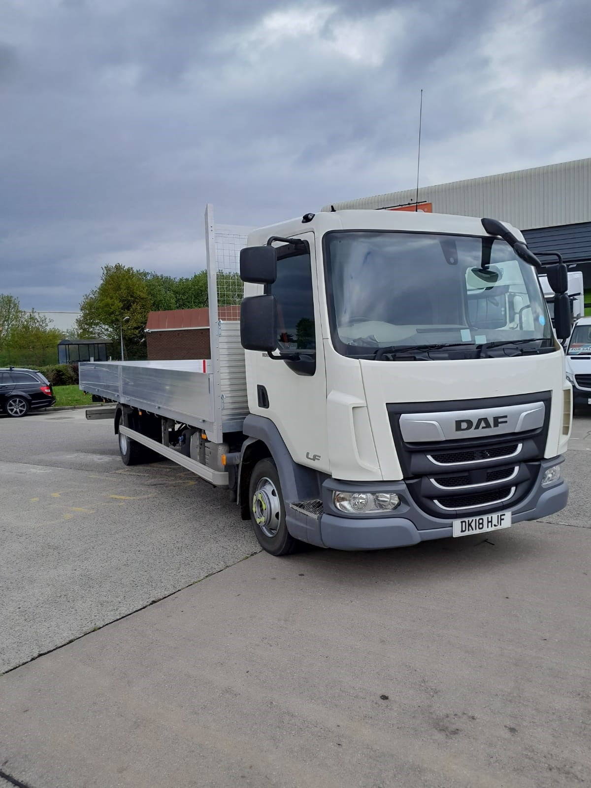 2018 DAF LF, 7.5 Tonne, Euro 6, 180bhp, Automatic Gearbox, 24ft Dropside Body, Day Cab, Steering Wheel Controls, Low Mileage, Choice Available, Warranty & Finance options also available.