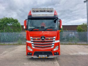 2017 (67) Mercedes Actros, Euro 6, 510bhp, Gigaspace Single Sleeper Cab, 4m Wheelbase, Mid-Lift Axle, Automatic Gearbox, Fridge, Air Con, Cruise Control, Steering Wheel Controls, Leather Interior, Brigade Camera System, Top Light Bar, Anderson Connector, Rear Perimeter Kit, Low Mileage, Warranty & Finance Options Available.