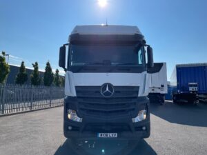 2018 Mercedes Actros, Euro 6, 450bhp, Bigspace Single Sleeper Cab, Mid-Lift Axle, Automatic Gearbox, 4m Wheelbase, Air Con, Cruise Control, Steering Wheel Controls, Fridge, Microwave, Low Mileage, Choice & Warranty Available.