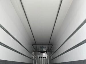 Brand New 2021 SOR Fridge Trailer, 2.59m Internal Height, SAF Axles, Drum Brakes, Resin Floor, Barn Doors, 2 x Load Lock Rails, Raise Lower Valve Facility, Bridgestone Tyres, Carrier Vector HE 19 MT Fridge Engine, Full Manufacturers Warranty Applies, Finance Options Available.
