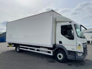 2017 (67) DAF LF, 12 Tonne, Euro 6, 180bhp, Anteo Tuckunder Tailift (1500kg Capacity), 24ft Body, Day Cab, Automatic Gearbox, Low Mileage, 2 x Load Lock Rails, Steering Wheel Controls, Electric Windows, Warranty & Finance Options Available.